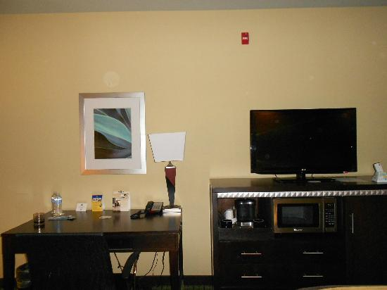 Comfort Suites New Bern: bedroom