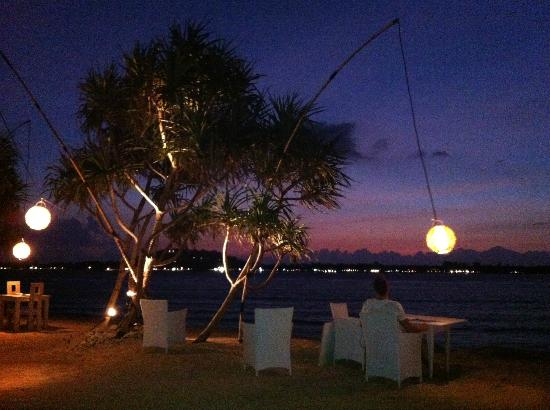 MAHAMAYA Boutique Resort: Sunset at dinner