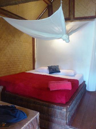 Jungle Club: Bungalow bedroom