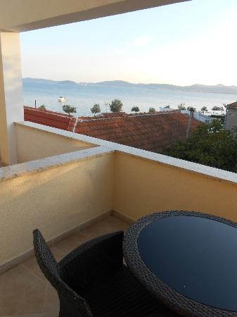 Hotel Niko: Balcony