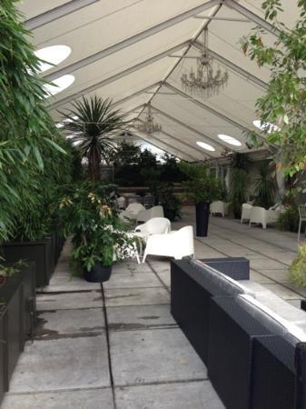 Jupiter Hotel: Courtyard