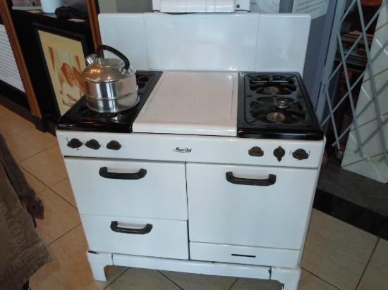 Southern Food and Beverage Museum: Vintage Stove