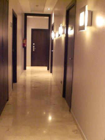 Hotel Constanza Barcelona: pasillo