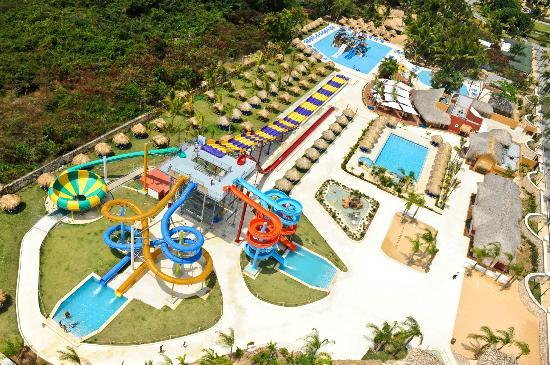 Sirenis Aquagames Punta Cana : Aerial view of part of the waterpark