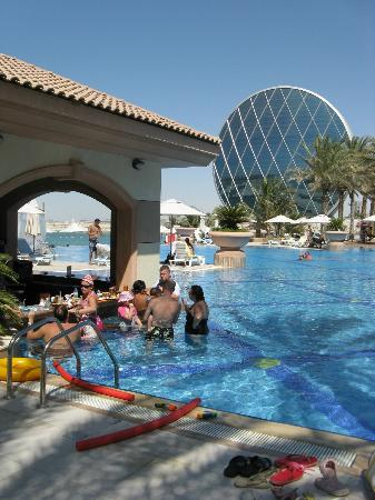 Al Raha Beach Hotel: Pool Bar