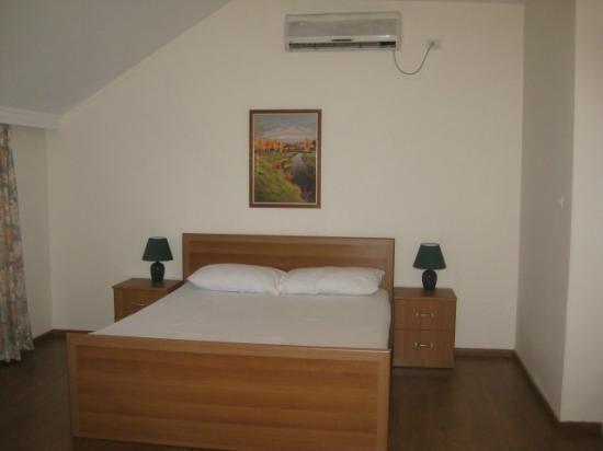 Hotel Viktoria: Bedroom