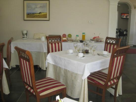 Hotel Viktoria: Breakfast room