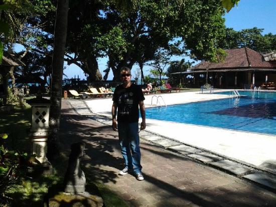 Puri Saron Seminyak: Poolside