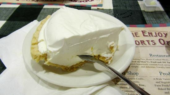 Yoder's Restaurant: Key Lime pie