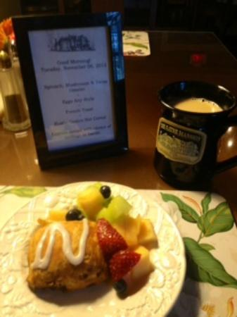 The Sayre Mansion Inn: Breakfast