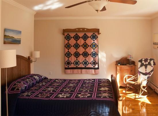Shenandoah Manor Bed and Breakfast : Manor - Van Gogh room