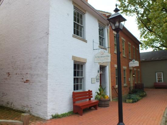 Historic Roscoe Village: Roscoe Village