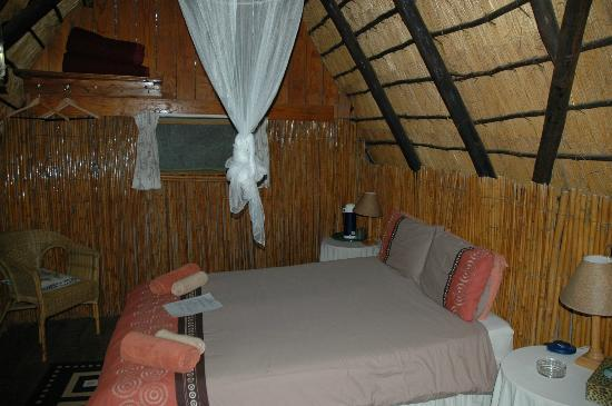 Pezulu Tree House Game Lodge : Cosy bedroom!