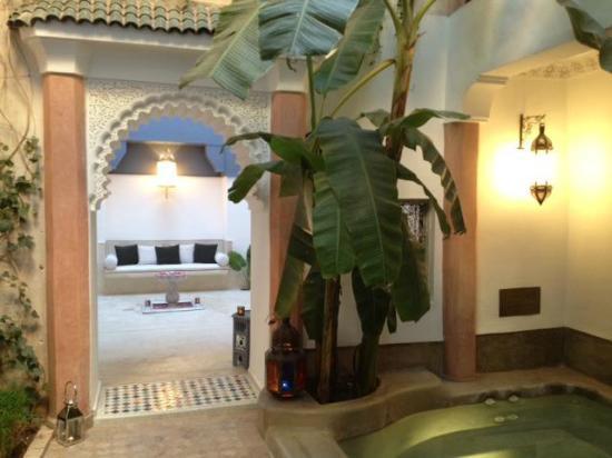 Riad Tawargit: Vue d'un patio à l'autre