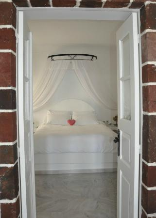 Anastasis Apartments: Room