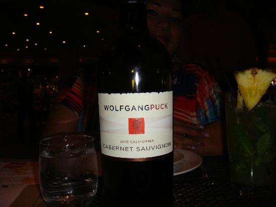 Wolfgang Puck Bar & Grill: Brand wine