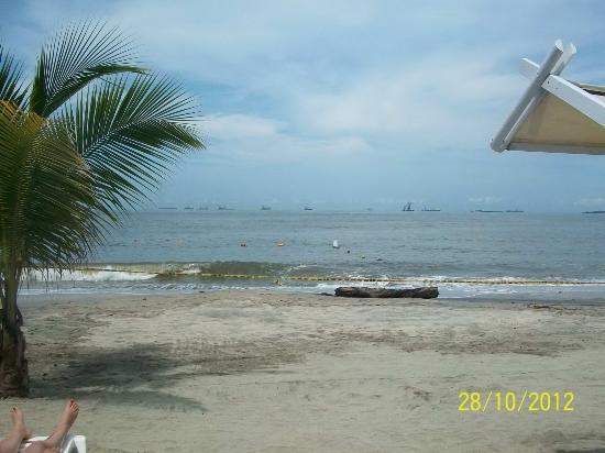 Decameron Galeón: Playa cerrada