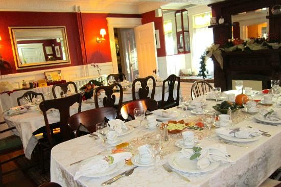 Lily House B&B: Dining Room