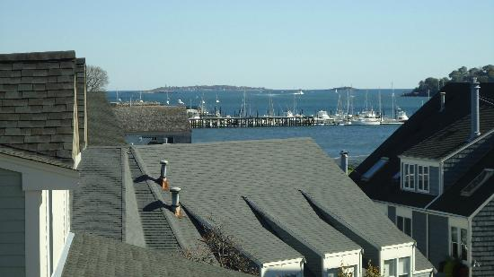 The Salem Waterfront Hotel & Suites: View from the room overlooking the bay area