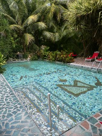 Belize Luxury Boutique Hotel & Resort Spa: One of the pools.