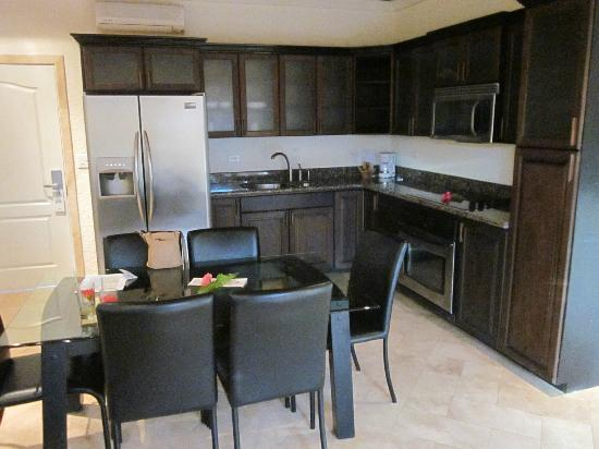 The Placencia Hotel and Residences: Kitchen