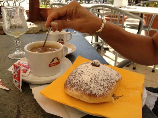 Charme Ares B&B : Breakfast
