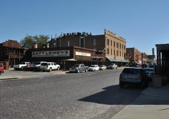 Cattlemen's Fort Worth Steak House: Parking is tight in the immediate area.