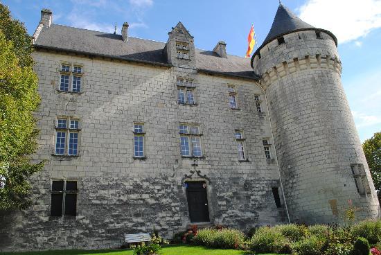 Chateau de la Motte : front of chateau