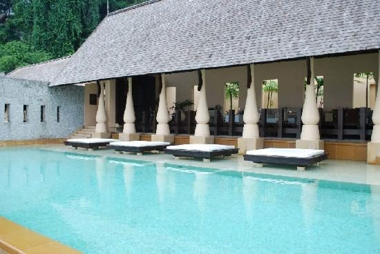 Gaya Island Resort: Pool (shown here is half of the whole pool)