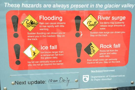 Franz Josef Glacier: warning sign