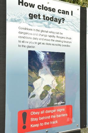 Franz Josef Glacier: sign