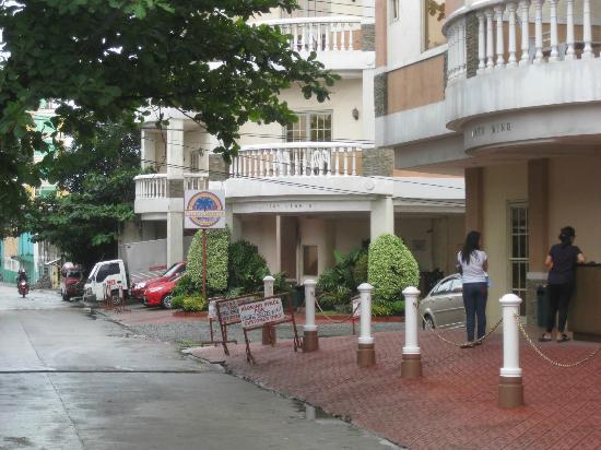 pacific breeze hotel resort r m 1 4 0 rm 128. Black Bedroom Furniture Sets. Home Design Ideas