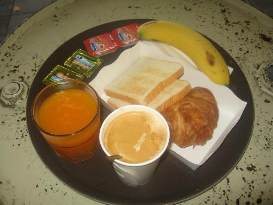 หลับดีกรุงเทพ - สีลม: Breakfast