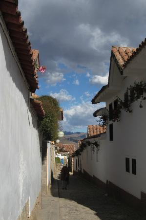 Samay Wasi Youth Hostels Cusco: Streets around hostel, quiet