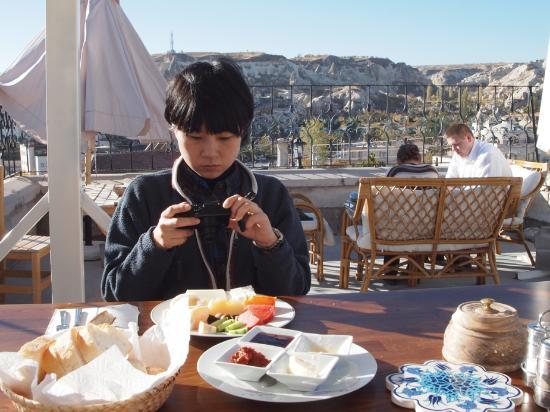 Vineyard Cave Hotel: 屋上テラスでの朝食