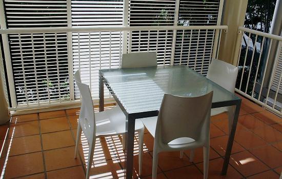 Port Douglas Apartments: balcony