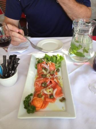 Cafe La Dolce Vita: salmon carpaccio