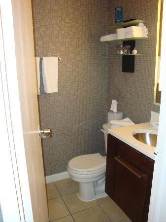 Kimpton Rouge Hotel: bathroom