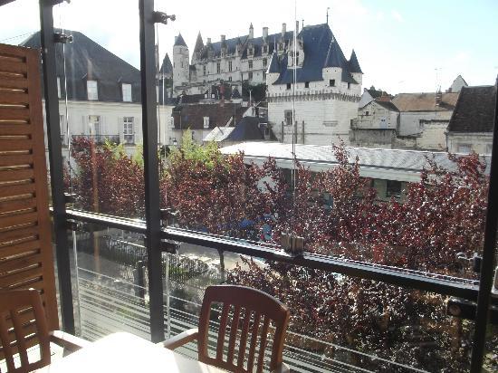 Pierre & Vacances Residence Le Moulin des Cordeliers: vue du balcon sur le chateau