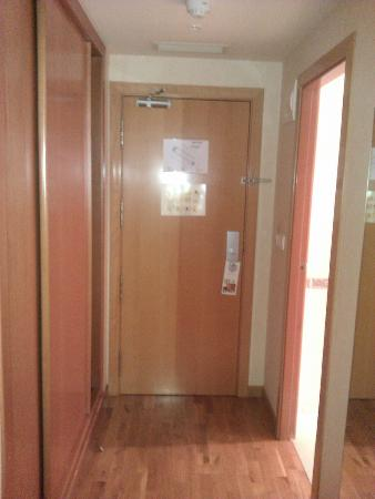 Holiday Inn Alicante - Playa de San Juan: room entrance