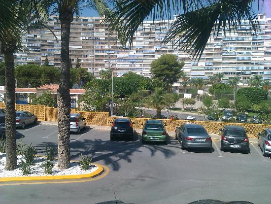 Holiday Inn Alicante - Playa de San Juan: parking