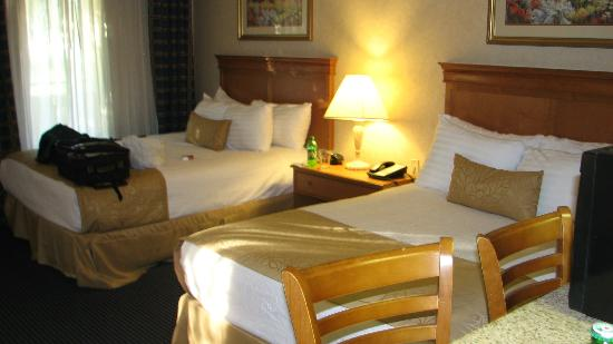 Best Western Plus Ontario : Room