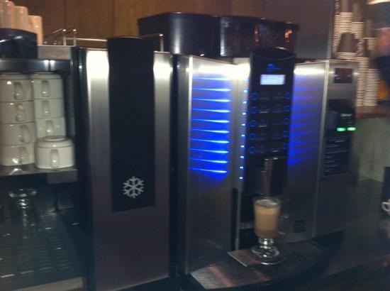 PURO Hotel: free tea & coffee facilities