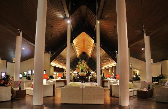Le Meridien Phuket Beach Resort: Lobby