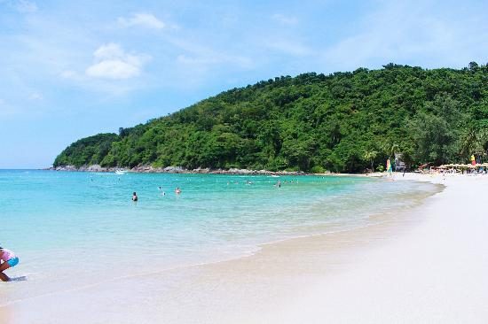 Le Meridien Phuket Beach Resort: Beach