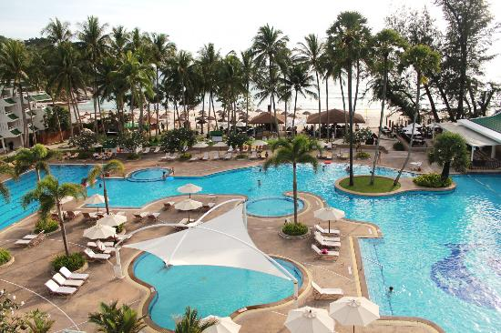 Le Meridien Phuket Beach Resort: Pools