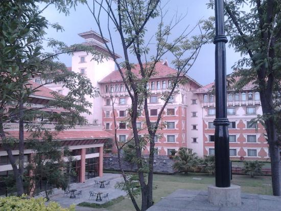 Hyatt Regency Kathmandu: Exterior