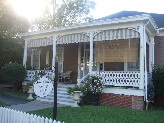 Devereaux Shields House照片