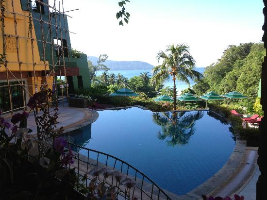 The Aspasia Phuket: Relaxing 2 tier swimming pool. Small and intimate.