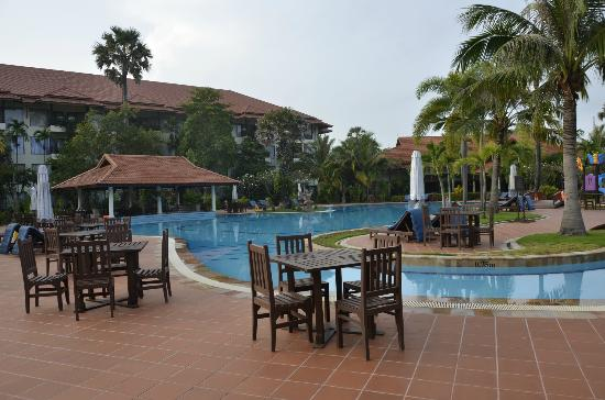 Angkor Palace Resort & Spa: Pool